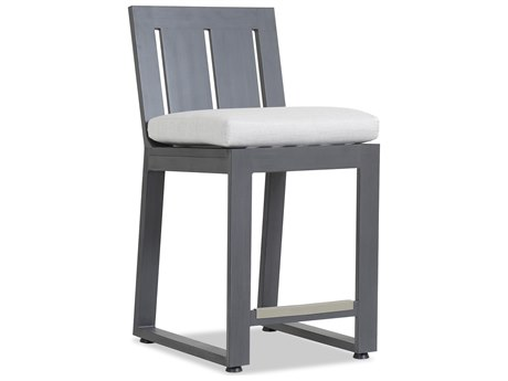 Sunset West Quick Ship Redondo Aluminum Counter Stool in Cast Silver