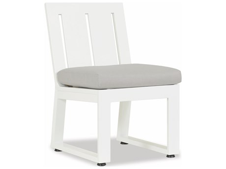 Sunset West Quick Ship Newport Frosted White Aluminum Dining Side Chair in Cast Silver