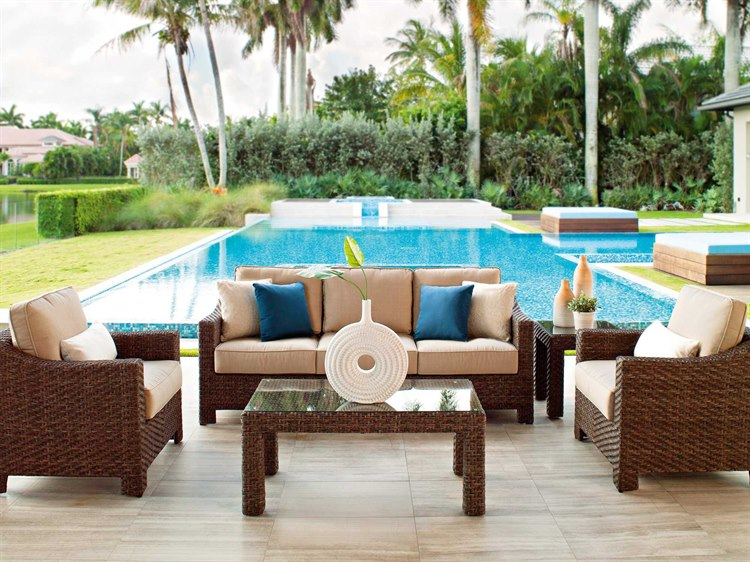 Wicker lounge set for the patio