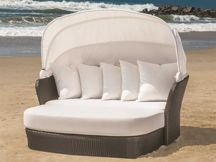 Tropitone Mia Wicker Lounge Set