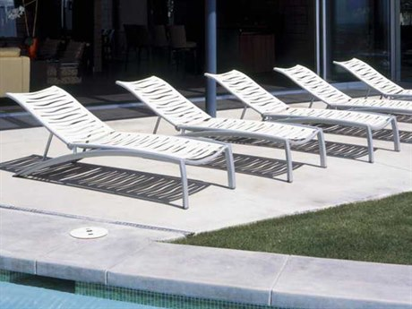 Tropitone South Beach Wave Aluminum Lounge Set