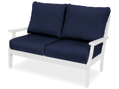 Trex Outdoor Furniture Yacht Club Deep Seating Loveseat in Classic White / Navy