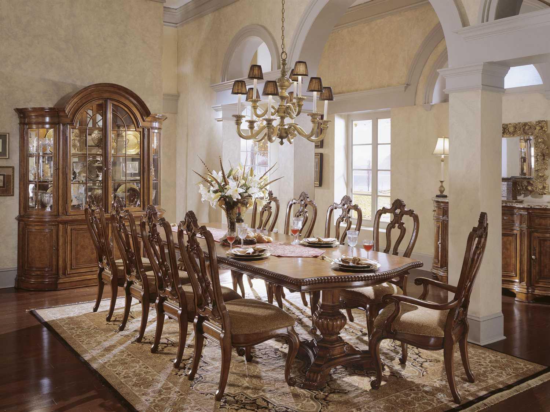 Universal Furniture Villa Cortina 130 L X 48 W Double