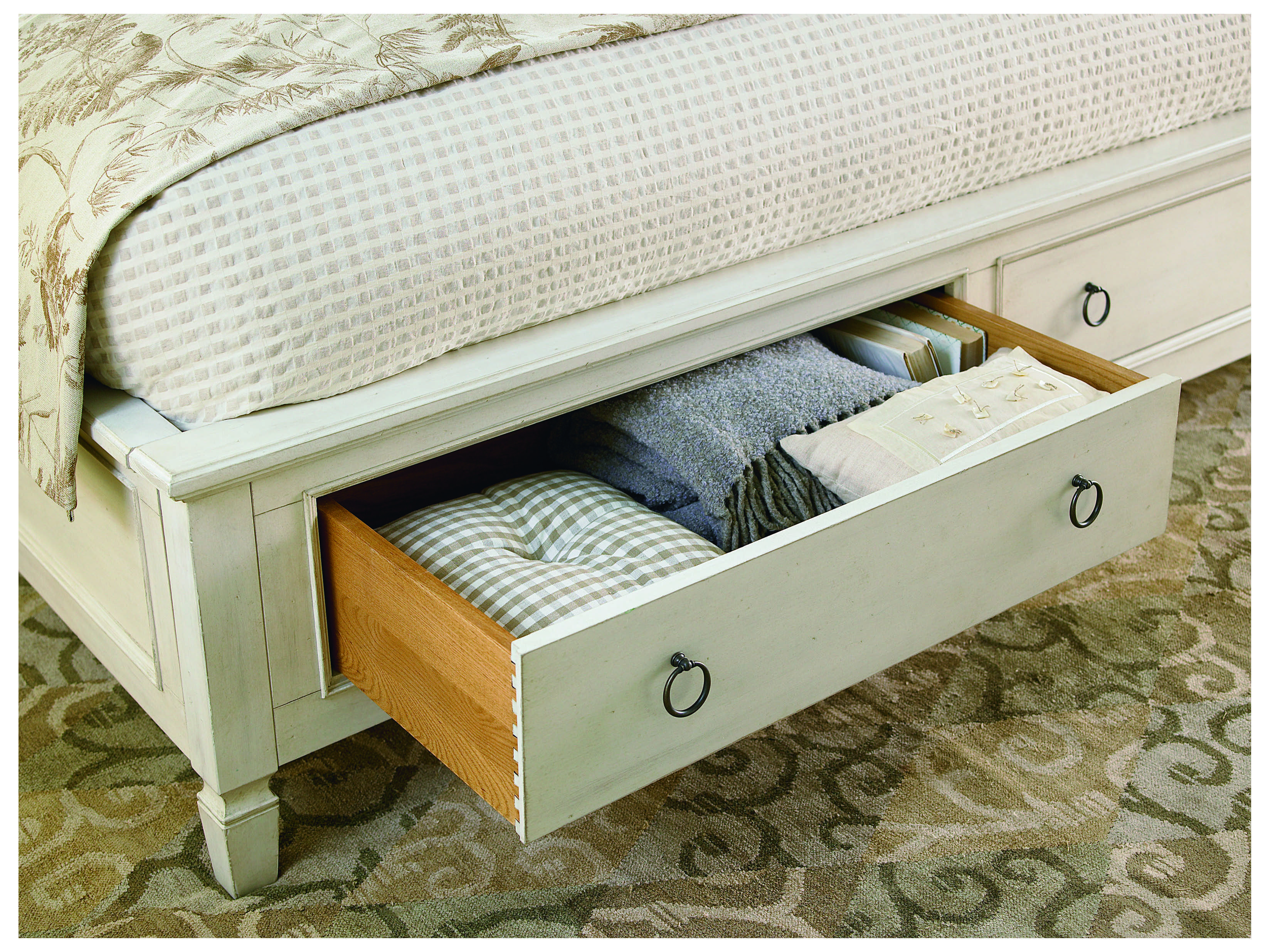 Universal Furniture Summer Hill Cotton Panel Bed Bedroom