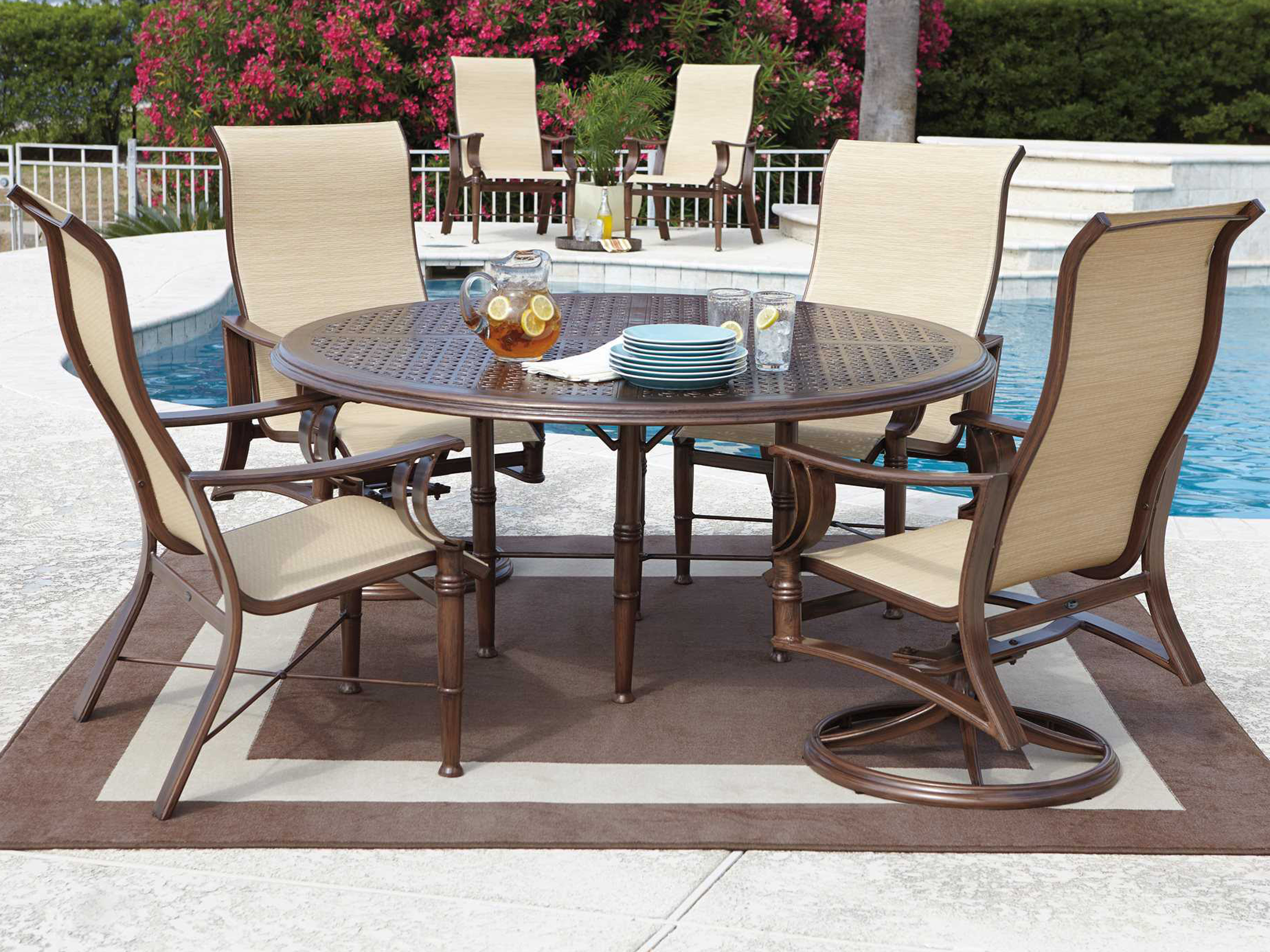 Woodard Cast Aluminum Hampton 48 Round Table Top with Umbrella