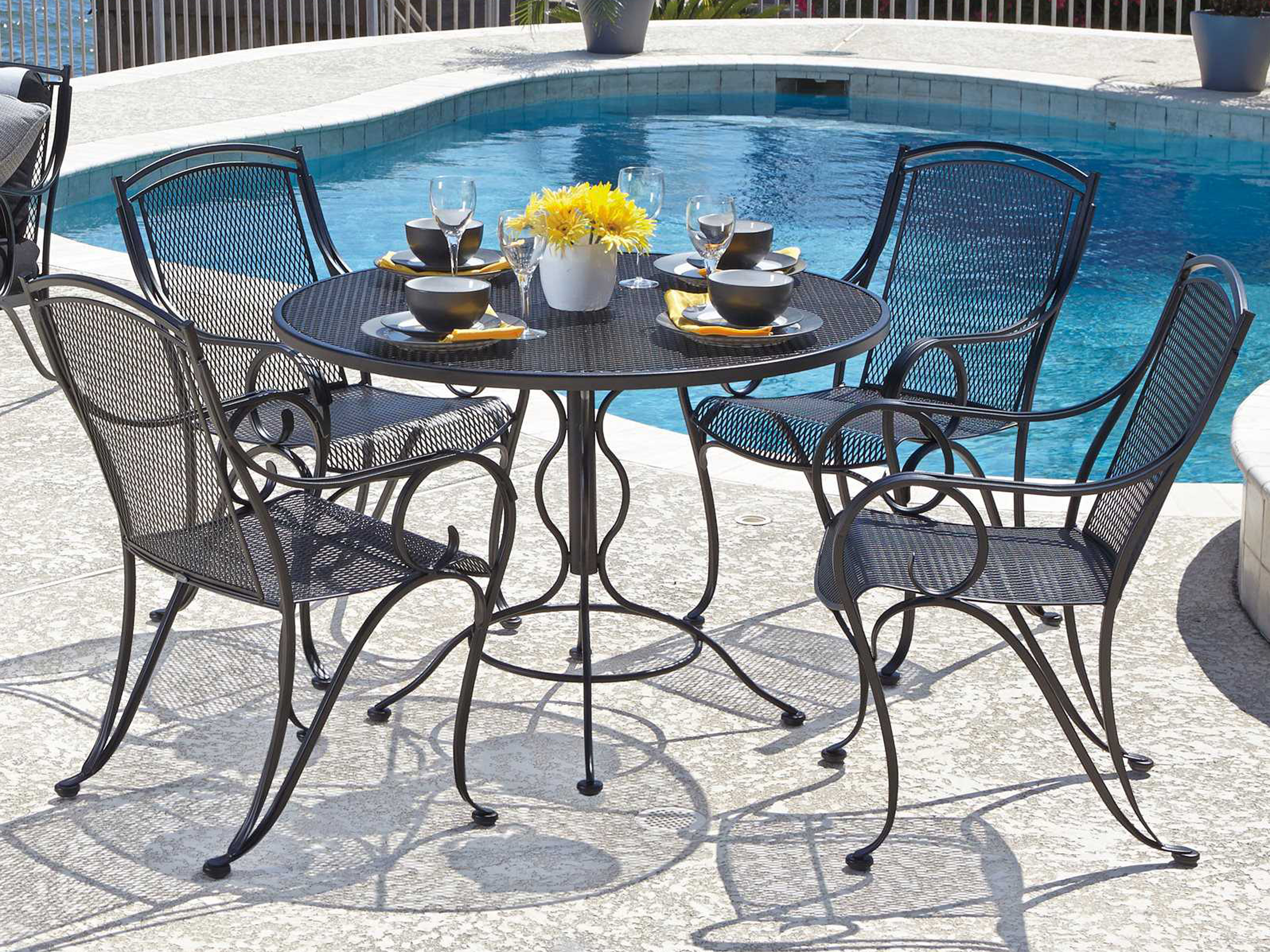 5303147483e4 ... Woodard Mesh Wrought Iron 48 Round Curved Legs Table with Umbrella Hole  190137