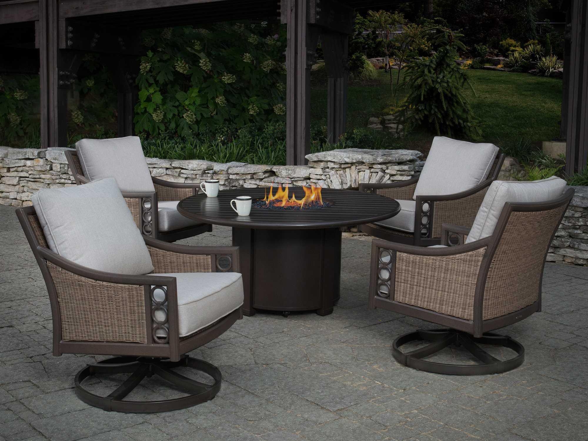 winston quick ship avignon wicker lounge set with 44 round firepit table wsavigfireset. Black Bedroom Furniture Sets. Home Design Ideas