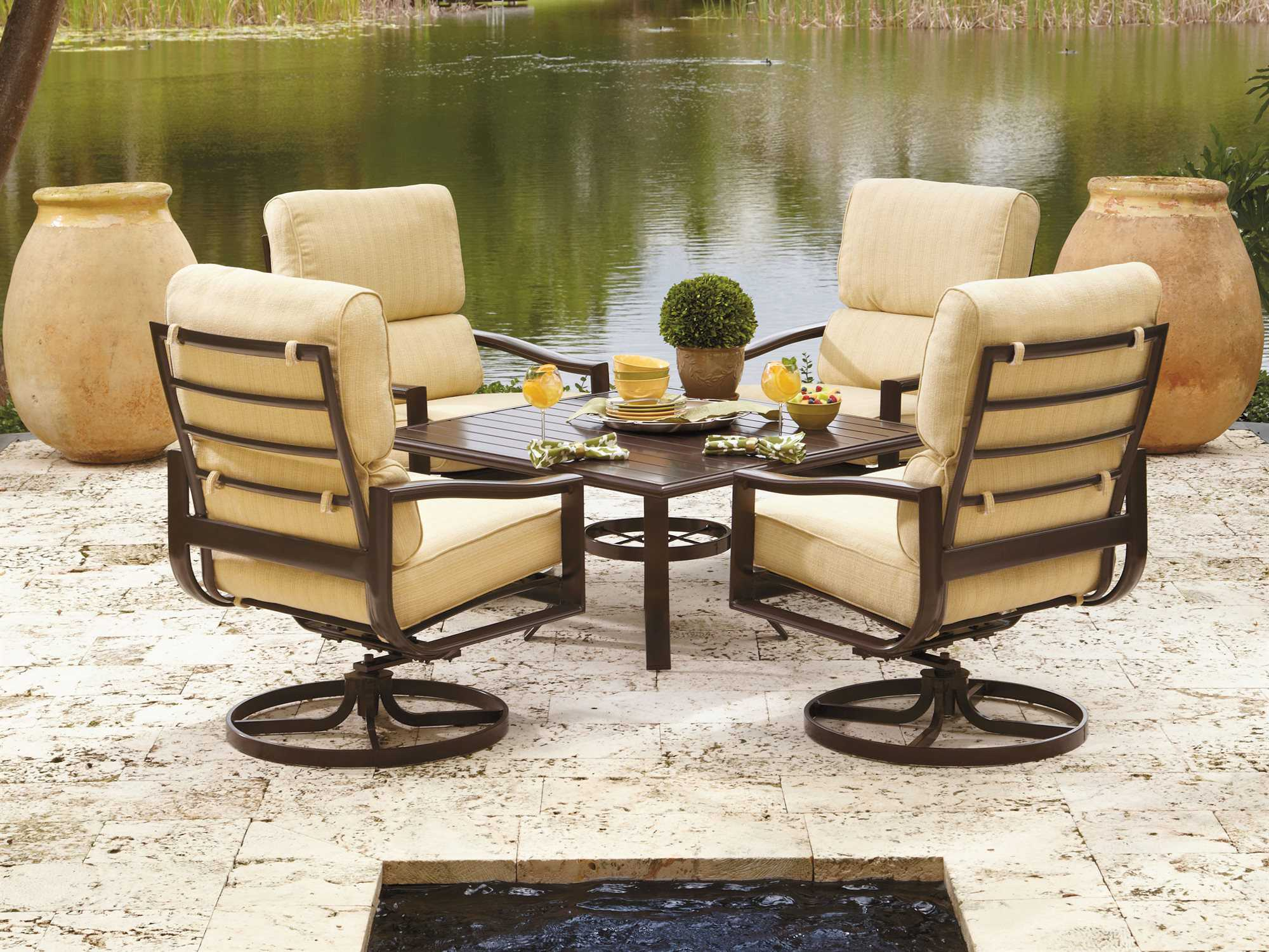 Winston Belvedere Cushion Aluminum Lounge Set