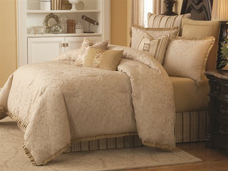 Aico Furniture Michael Amini Lavelle Cottage Blanc Carlton Ivory Ten-Piece King Comforter Set AICBCSKS10CARLTONIVY