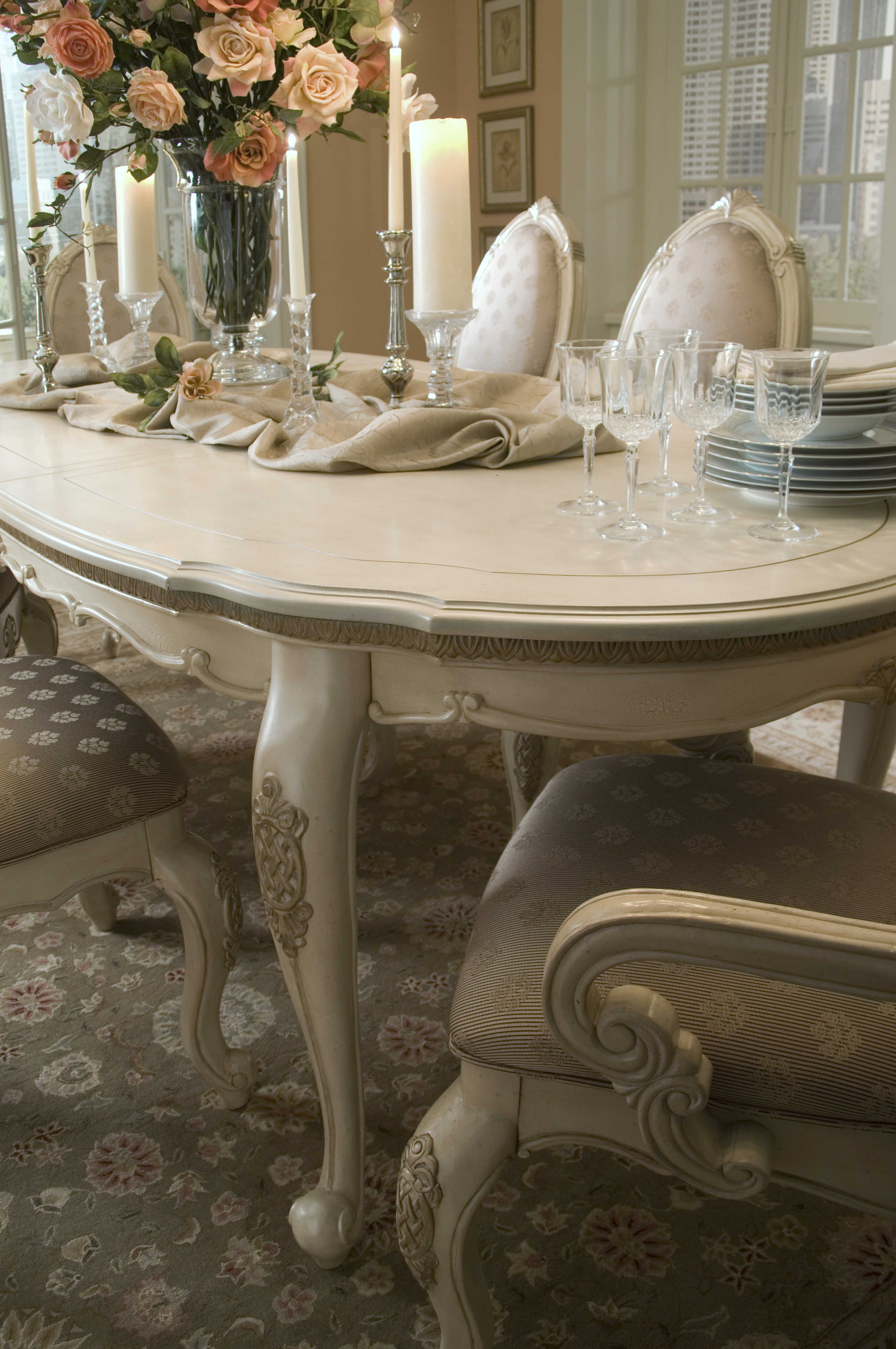 Aico Furniture Michael Amini Lavelle Blanc 78 102 W X 42 D Oval Dining Table