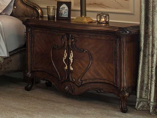 Aico Furniture Michael Amini Platine De Royale Light