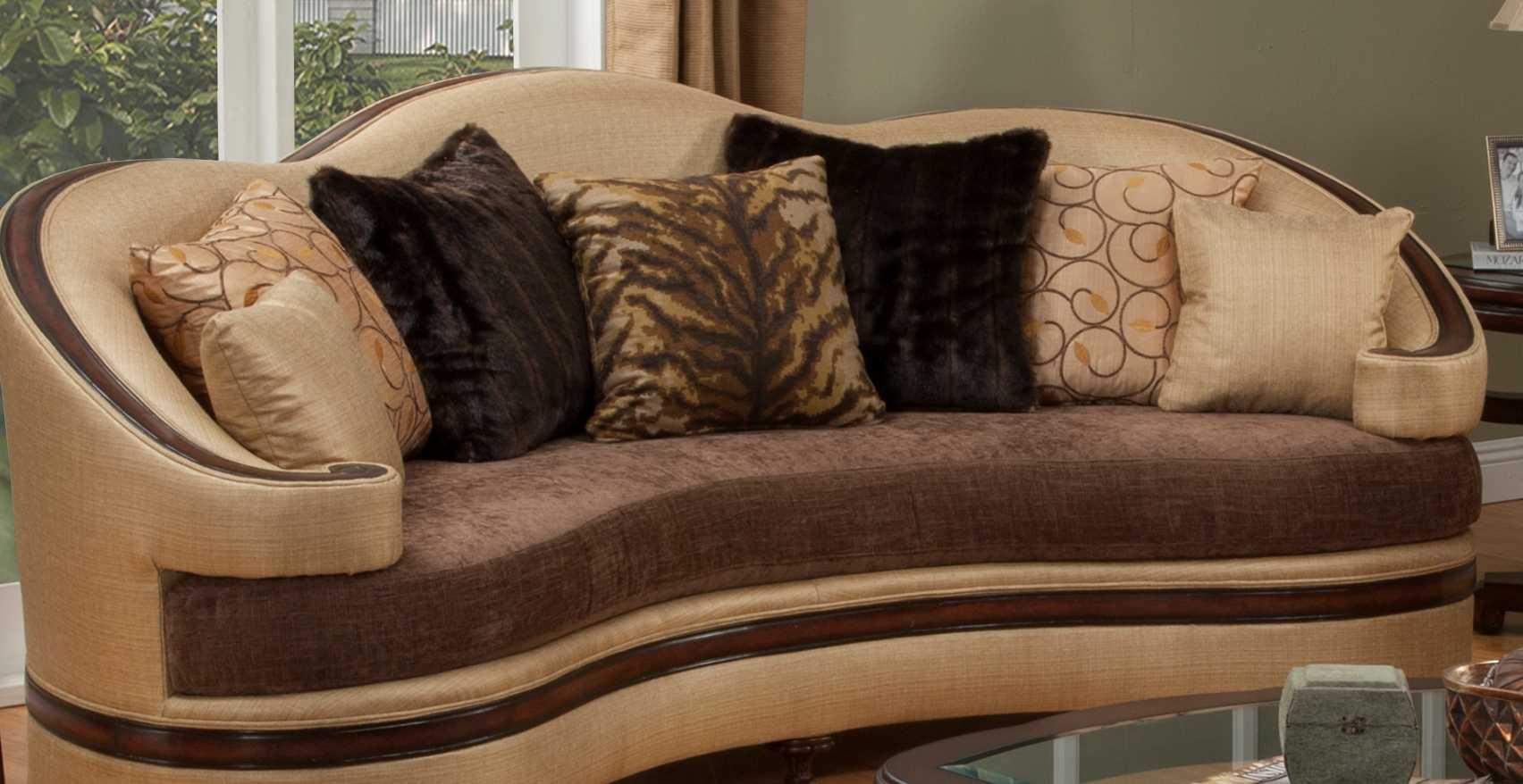 Benetti\'s Italia Furniture Emma Sofa