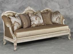 Benetti's Italia Furniture Perla Collection