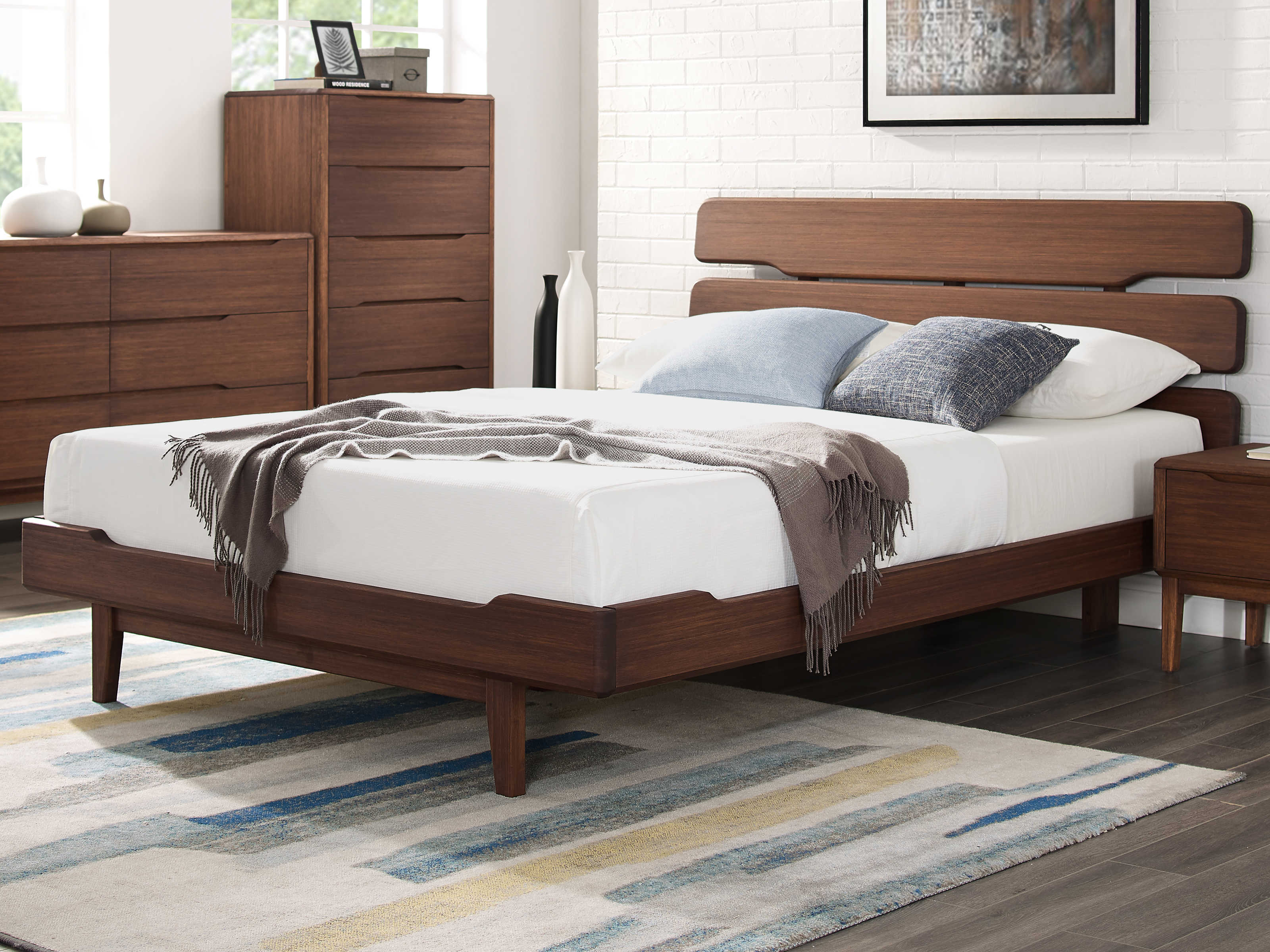 Picture of: Greenington Currant Oiled Walnut Queen Platform Bed Gtg0026ow