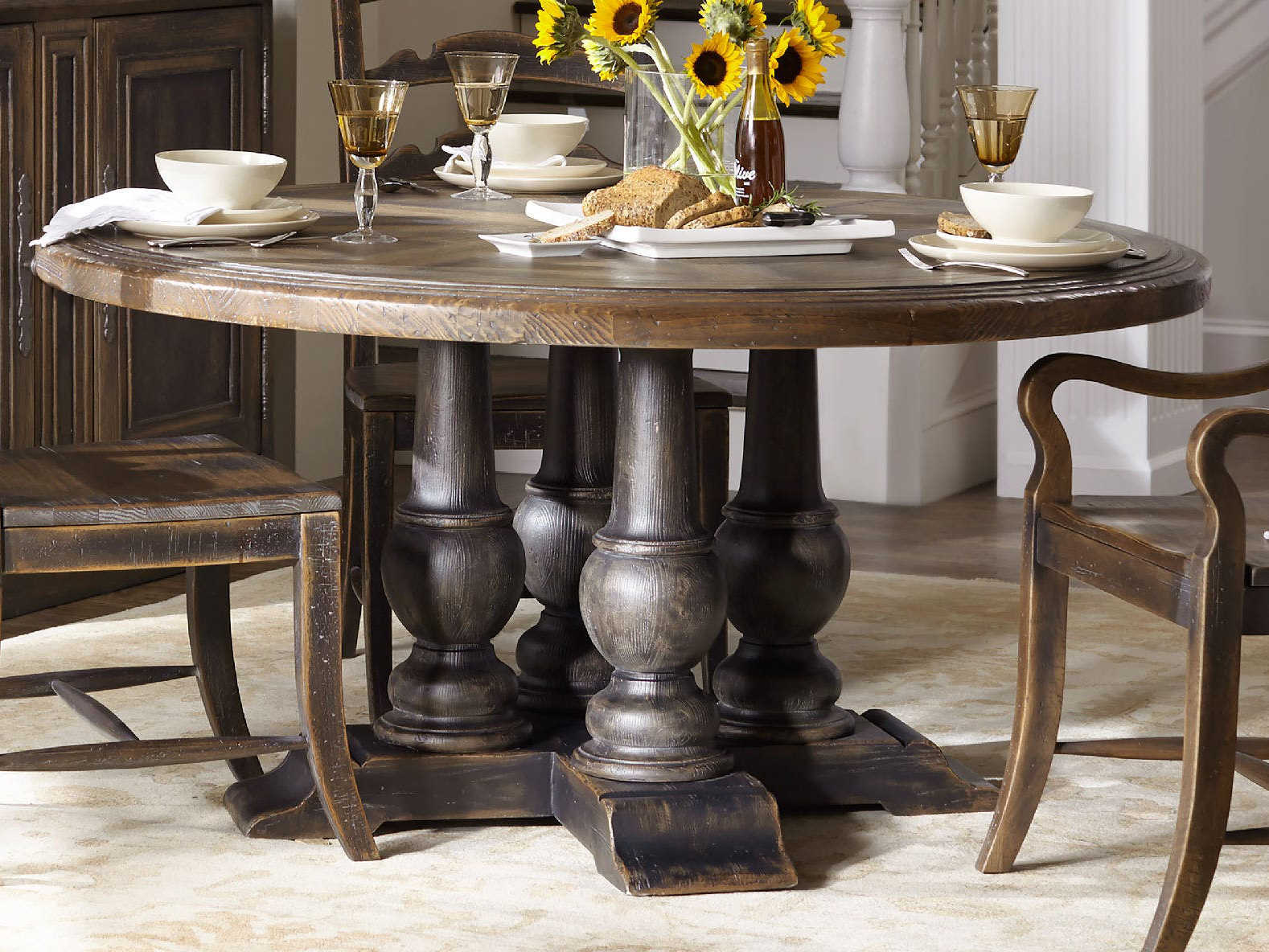 Hooker Furniture Hill Country Timeworn Saddle Brown Anthracite Black 60 Wide Round Applewhite Dining Table Hoo596075203brn
