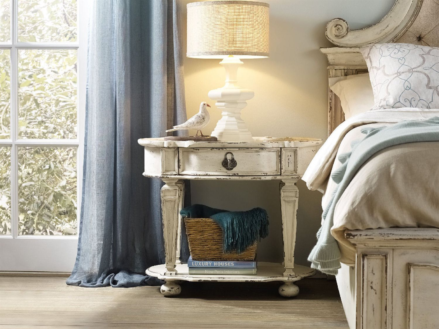 Hooker Furniture Sanctuary Vintage Chalky White 36 W X 22 D Oval Nightstand