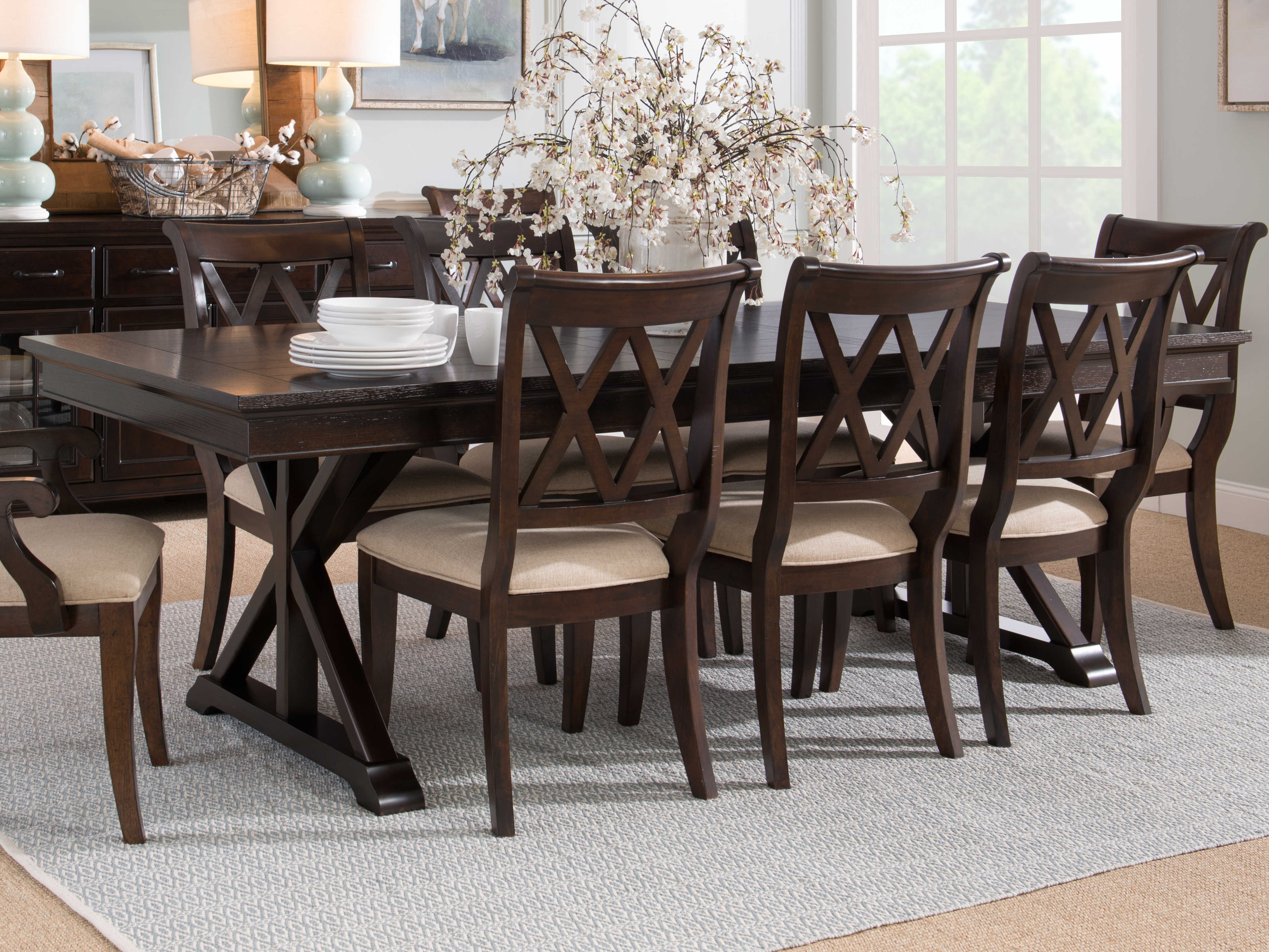Legacy Classic Furniture Thatcher Amber, Legacy Classic Dining Room Sets