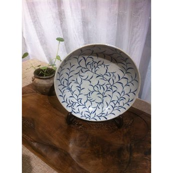Legend of Asia Blue & White Curly Vine Plate