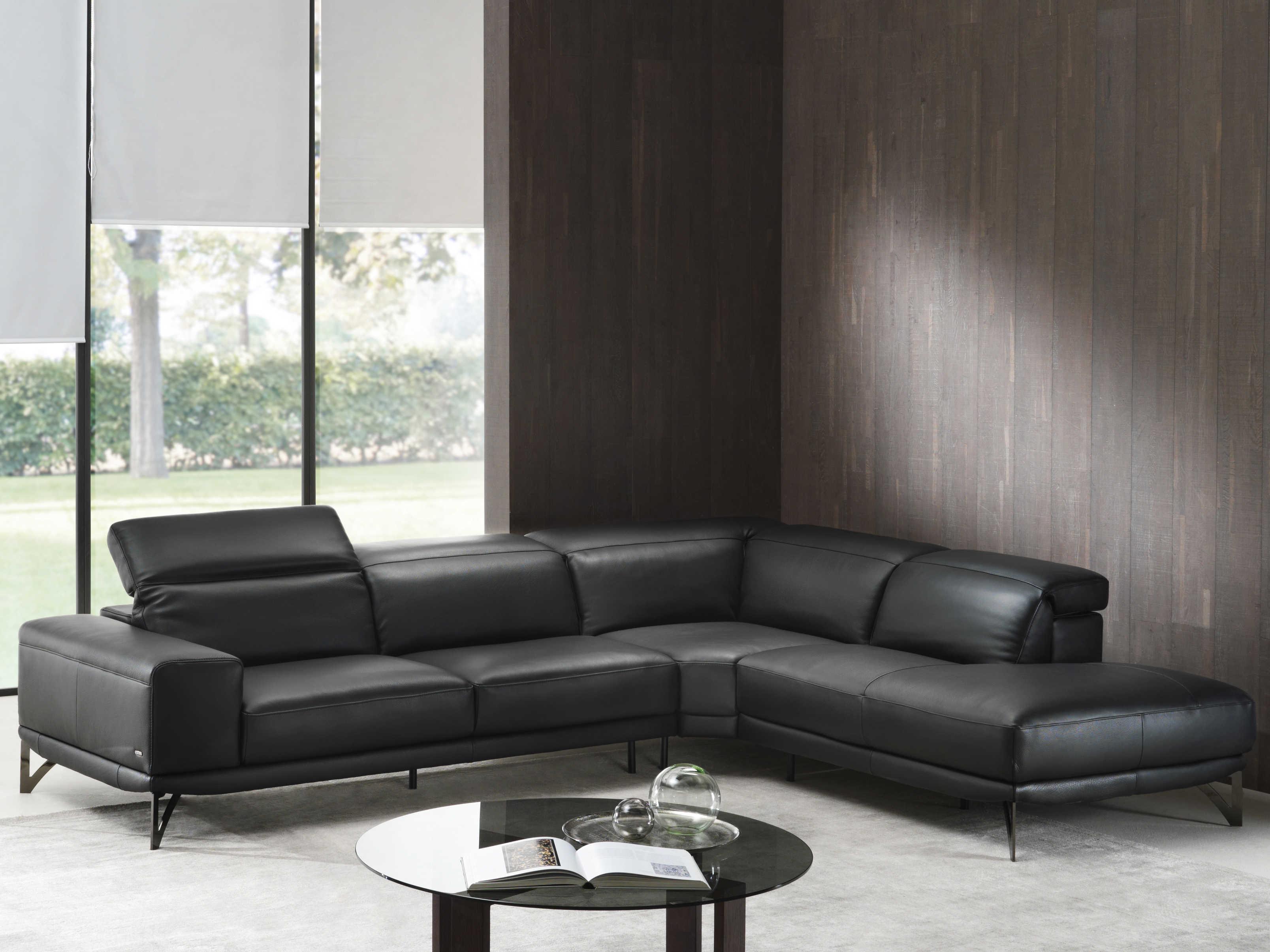 Natuzzi Editions Vigore Sectional Sofa