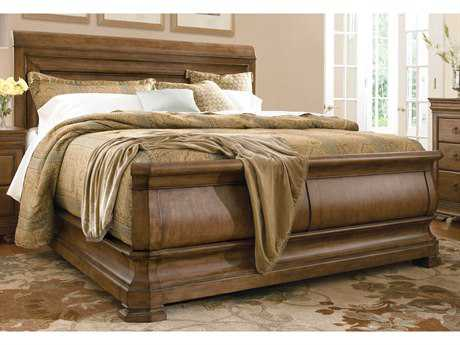 Universal Furniture New Lou Cognac King Size Sleigh Bed UF07176B