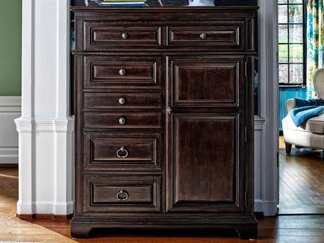 Universal Furniture Park Hill Bannister 6 Drawers Chest of
