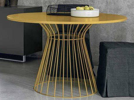 Yumanmod Brigitte Mat Lacquered Base 47.2'' Round Dining Table YMTM010104